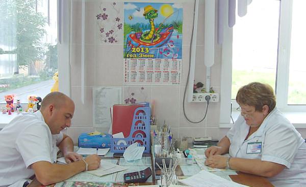 Д.А.Шульгин и В.А.Машина за работой